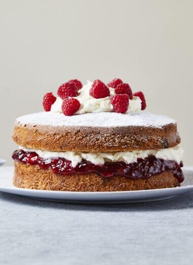 Pale ale raspberry cake